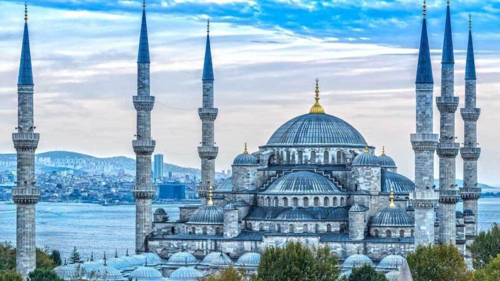 رحلة الى السلطان أحمد